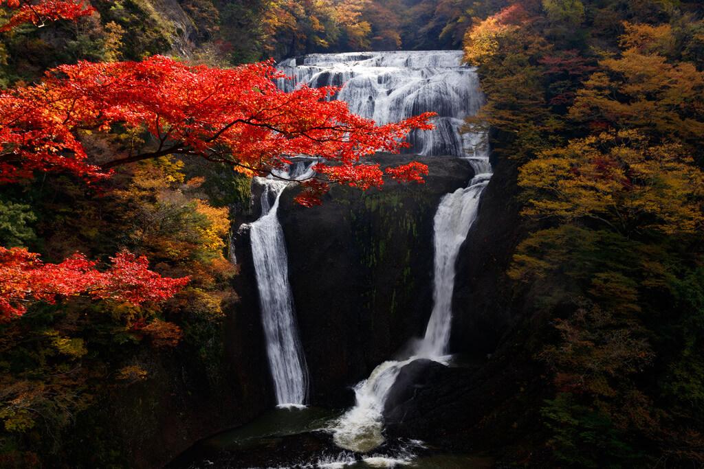 Autumn colors of Fukuroda falls in Ibaraki, Japan